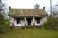 Green-roofed Farmhouse (Mike McCall) Tags: copyright2018mikemccall photography photo image usa culture southern america thesouth unitedstates northamerica south georgia county baldwin fineartphotography vernacular farm farmhouse green springtime spring