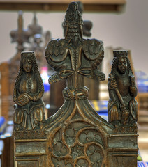 Bench end, Church of the Assuption of the Blessed Virgin, Ufford, Suffolk (robh London) Tags: poppyhead finial deben woodbridge catherine margaret c15 15thcentury