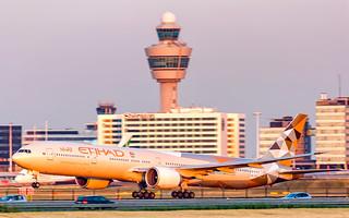 Etihad Airways Boeing 777-300ER A6-ETE