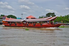 Tour boat passing Koh Kret island on the Chao Phraya river near Bangkok, Thailand (UweBKK (α 77 on )) Tags: chao phraya river koh kret pak island bangkok southeast asia sony alpha 77 slt dslr tour tourist boat travel