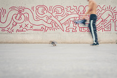 Una vista a ras de suelo (☼ Mrs ☼) Tags: raval barcelona skater exterior calle mural arte macba patinete