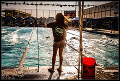 Sister cheering for sister (K-Szok-Photography) Tags: circlecityaquatics ccaq southerncaliforniaswimming swimming swimmeet swimmers watersports competition competitiveswimming water pool socal california canon canondslr kenszok kszokphotography canon5d 5d