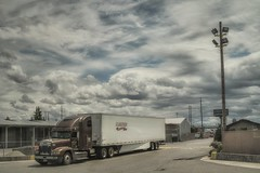 how to lose in court... (Alvin Harp) Tags: may 2018 cloudsstormssunsetssunrises truck semi wickedtruck truckwithfangs fanggrillscreen valleyfreightliner pacific washingtonstate sonyilce7rm3 fe2470mmf28gm alvinharp