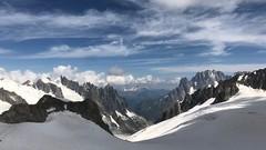 Aosta A013. (Joanbrebo) Tags: clouds nuages nubes nuvols naturaleza natura nature paisatge paisaje landscape mountains montagne montaña muntanya iphone365 iphonex italia valled'aosta courmayeur contactgroups