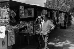 Paris 106 (HAKUDO Photography) Tags: zeiss sony fe paris french france street couple girl man black white