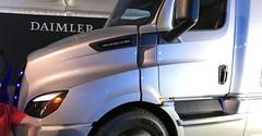 Daimler-Unveils-Auto Deals (AutoDeals.pk) Tags: daimler unveils heavy duty ecascadia and medium em2 electric trucks