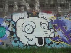 326 (en-ri) Tags: ordea gelo crew testa head bianco nero cane dog torino wall muro graffiti writing parco dora