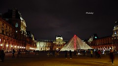 França - Paris, O museu do Louvre! (jvaladaofilho) Tags: cenasurbanas cityscape streetview streetphotography france paris louvre valadaoj