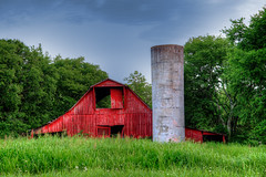 DMT_20180630195349 (Felicia Foto) Tags: barn grass trees sky building silo agriculturalstorage rural eaglevilletennessee middletennessee hwy99 highway99 hdr highdynamicrange nikon nikond600 d600 photomatix photoshopcc2018 allrightsreserved denisetschida geotagged architecture wooden wood painted sunset evening 2xp