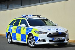 NX67 BZS (S11 AUN) Tags: cleveland police ford mondeo zetec estate dog section policedogs dsu dogsupportunit incident response 999 emergency vehicle nx67bzs