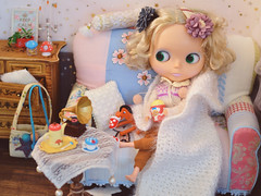 Sometimes you just wear messy hair, snuggle up in the sofa, put a blanket over you, enjoy popcorn and get nothing done. (Moonrabbit_ly) Tags: blythe diorama doll toy miniature blythedoll customblythe dollhouse rement onesixth