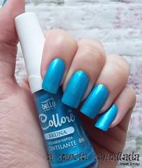 Esmalte Bruna, da Bello Cosméticos. (A Garota Esmaltada) Tags: agarotaesmaltada unhas esmaltes nailpolish manicure azul blue bruna collorê bellocosméticos cintilante