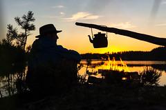 sitting by a campfire during sunset 2 (VisitLakeland) Tags: finland summer campfire fire järvi kesä lake luonto nature nokipannu nuotio nuotiopaikka outdoor pan pannu sun sunrise sunset vastavalo