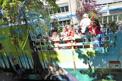 Rotkäppchen und der (böse) Wolf (Süßwassermatrose) Tags: 2018 geseke festumzug gösselkirmes nrw deutschland germany kinder kindergartenkinder motivwagen märchen personen rotkäppchen piroschka brüderngrimm