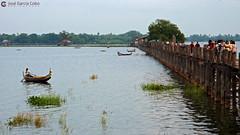 11-10-04 02 Myanmar (722) R01 (Nikobo3) Tags: asia myanmar burma birmania mandalay amarapura paisajeurbano travel viajes nikon nikond200 d200 nikon7020028vrii nikobo joségarcíacobo puentes