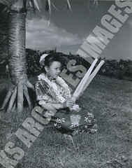 933- 5556 (Kamehameha Schools Archives) Tags: kamehameha archives ksg ksb ks oahu kapalama luryier pop diamond 1955 1956 first 1st grade lei day kspd