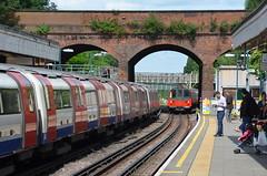 Two trains at Finchley (afagen) Tags: london england uk unitedkingdom greatbritain londonunderground underground tube thetube subway transit train finchleycentral finchley