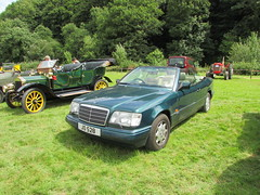 Mercedes-Benz 220 E JO528 (Andrew 2.8i) Tags: show car cars classic classics gwili railway transport day bronwydd arms w124 german coupe cabriolet convertible open a124 e220 220e eclass e 220 mercedesbenz