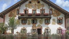 "House in Oberammergau (Baviera Alemania) (ANDROS images) Tags: andros images photos fotos fotoandros ""androsphoto"" ""fotoandros"" lugares places ""sitiosespeciales"" ""franciscodomínguez"" interesante naturaleza ""naturalezaviva"" ""amoralanaturaleza"" ""imágenesdenuestromundo"" ""sólotenemosunatierra"" ""planetatierra"" ""amarlatierra"" ""cuidemoslatierra"" luz color tonos ""portierrasespañolas"" ""nuestro ""unahermosatierra"" ""reflejosdeluz"" pasión viviendo ""pasiónporlafotografía"" miradas fotografías ""atravésdelobjetivo"" ""elmundoenimágenes"" pictures androsphoto photoandrosplaces placesspecialsites interesting differentnaturelivingnature loveofnature imagesofourworld weonlyhaveoneearthplanetearth foracleanworldlovetheearth carefortheearth light colortones onspanishterritoryourworld abeautifulearth lightreflection ""living passionforphotographylooks photographs throughthelens theworldinpicturesnikon ""nikon7000"" grupodemontañairis androsimages franciscodomínguezrodriguez oberammmergau baviera alemania"