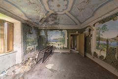 (Kollaps3n) Tags: decay abandoned abandonedplaces nikon urbex urbanexploration luoghiabbandonati italy