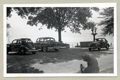 """1950s (Vintage Cars & People) Tags: vintage classic black white """"blackwhite"""" sw photo foto photography automobile car cars motor vw volkswagen vw1100 käfer brezel brezelkäfer brezelfenster beetle kever maggiolino fusca coccinelle vehicle antique auto typ1 type1 economicmiracle wirtschaftswunder 1950s fifties chevrolet chevy 1953chevrolet twoten sedan fiat fiat500 fiat500c topolino carpark country countryside lakebrienz brienzersee"""