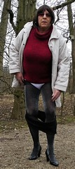 180220_27 (mathildecross) Tags: crossdress crossdressing crossdresser cd schloss seehof outdoor pantyhose park pumps transvestit