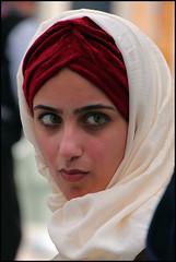 Candid Street Portrait ( Iranian Girl in Paris ) (Didier_Perrusset) Tags: girl femme portrait portraiture cute jolie touriste tourist paris sweet iran iranian