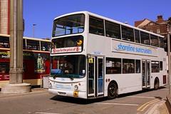Sunny Scarborough (Chris Baines) Tags: suncruises transbus trident alx 400 sn53 kje