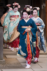 出番 (byzanceblue) Tags: 京都 gion maiko japan kyoto japanese dance woman girl female cute lovely beautiful beauty 舞妓 舞踊 geisha kimono traditional geiko kanzashi formal 祇園 black 花街 white color colour flower nikkor background people photo d850 portrait professional lady lovery 芸妓 着物 bokeh 節分 red traditonal 奉納舞 祇園小唄 tomoko nakagishi 祇園東 八坂神社