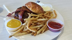The Wildseed Restaurant & Bar (Adventurer Dustin Holmes) Tags: 2018 missouri route66 us66 missouri66 straffordmo straffordmissouri strafford greenecounty wildseed dining restaurant meal food sauces ketchup mustard dips fries frenchfries bun burger hamburger bacon meat plate saucecups saucecup