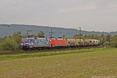 """DB 152 135 """"TFG/Albatros""""+DB 152 049 am 22.09.2017 mit einem Silozug in Haunetal-Neukirchen (Eisenbahner101) Tags: eisenbahner101 db dbcargo dbschenker werbelok tfg albatros albatrosexpress siemens br152 152135 152049 silozüge staubzüge güterzug bahnverkehr eisenbahn train freighttrain deutschland germany hessen haunetal haunetalneukirchen nss nordsüdstrecke"""