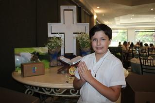 Alberto y Jesús comulgan por primera vez