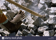 india-woman-from-the-cast-of-the-untouchables-working-barefoot-in-AP25EJ (Matriux2011) Tags: barefoot dirtysoles cracksoles indian nepali barefootextreme talonescurtidos piesrajados