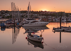 Sunset at Dartmouth (simondayuk) Tags: dartmouth kingsbridge devon navy college boat boats yacht yachts reflection reflections sunset sea seascape water ocean river masts nikon d500 nikond500