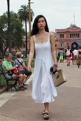 In white (carlos_ar2000) Tags: retrato portrait chica girl mujer woman bella beauty sexy calle street linda pretty gorgeous blanco white vestido dress buenosaires argentina