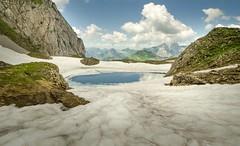 Lac de Tardevant Juin 2018 (Johan FREIMANN) Tags: aravis printemps juin france mountains montagnes hautesavoie trek trail hiking landscape paysage clusaz lac lake tardevant neige combe altitude