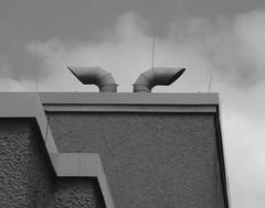 Hörner (mitue) Tags: berlin dach urbanfragment nks