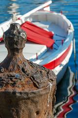 amarrée (Mireille Muggianu) Tags: bouchesdurhone europe france laciotat provencealpescotedazur bateau boat mer paysage port samsungnx nx500 provence