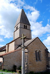 Saint-Martin-du-Tartre (71) - église Saint Martin de Tours (odile.cognard.guinot) Tags: saôneetloire bourgogne bourgognefranchecomté artroman 1113esiècle églisesaintmartindetours saintmartindutartre 71