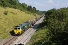 66605 Souldrop (Gridboy56) Tags: bedfordshire uk europe england emd locomotive locomotives souldrop luton lutonyard tunstead wagons cargo freight class66 gm shed freightliner 66605