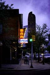 Avenue Grill (photographyguy) Tags: denver colorado avenuegrill bar trafficlight greenlight sidewalk neon wellsfargocenter uptowndenver restaurant northcapitolhill night 17thstreet