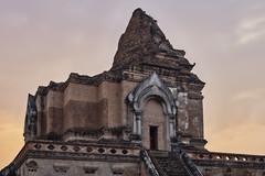 Wat Chedi Luang (Thomas Mülchi) Tags: chiangmai chiangmaiprovince thailand 2018 sunny buddhism buddhisttemple temple architecture changwatchiangmai th