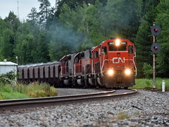 Hot Train (Robby Gragg) Tags: cn ble sd40t3 900 iron junction