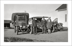 Vehicle Collection (8319) - International and Buick (Steve Given) Tags: workingvehicle automobile international truck lorry buick 1920s