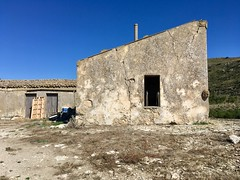 Abandoned farm house (ADMurr) Tags: ladder window open empty susafa sicilia sicily italia italy