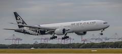 Boeing 777-300 (idunbarreid) Tags: boeing 777