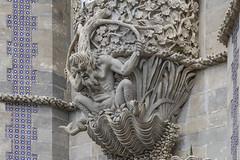 Tritón (José M. Arboleda) Tags: arquitectura edificio palacio cantería escultura mitología tritón adorno sintra palaciodapena lisboa portugal eos markiv josémarboledac ef24105mmf4lisusm canon 5d