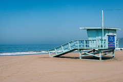 Life Guard Shack Santa Monica (vandusenerik) Tags: beach sand waves ocean life guard shack santa monica california west coast pacific nikon d800 nikor 24120mm summer camera photography sky