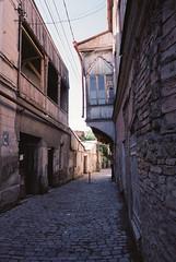 georgia-2018-74 (Vasily Ledovsky) Tags: film voigtlander bessat georgia fujicolor pro 400h tbilisi colorskopar 21mm