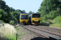 GWR Units, Yate (sgp_rail) Tags: unit dmu diesel multiple gwr great western rail railway train trainspotting yate cranleigh court foot crossing frome valley walkway dean road sun sunny july summer nikon d7000 local stopping service green 150 150002 166 turbo 166216 passing